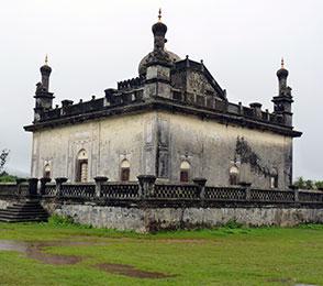 rajas-tomb